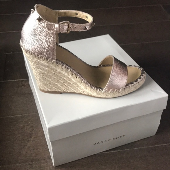 47aad51c3bd Marc Fisher Kicker wedge espadrilles sandals. M 5b03275b5521bec90cff89fb